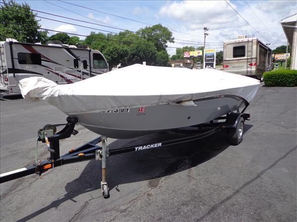 Super Easy DIY BOAT GUIDES for your Trailer!! $25!!! - YouTube