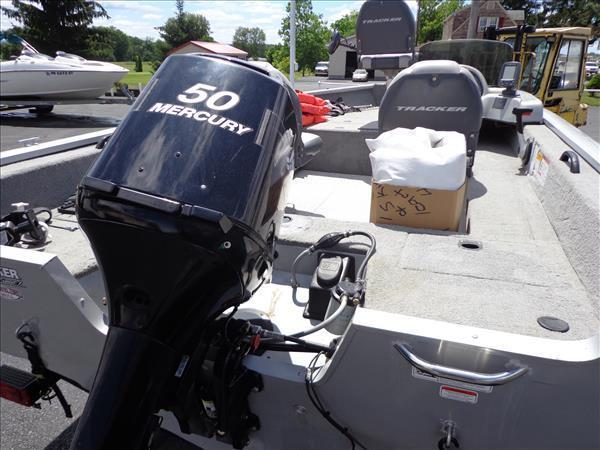 10 Bass Tracker Pro Guide 16 39 Bass Boat 50hp Mercury Motor Trailer Included For Sale In