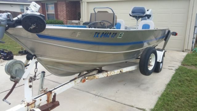 17ft All weld aluminum Gregor boat in good condition NO MOTOR for