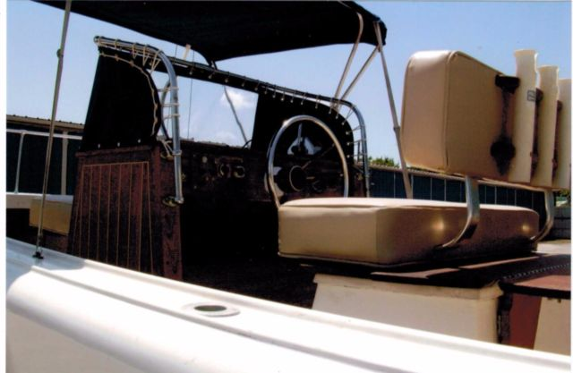 1971 Boston Whaler Outrage 21' Classic Ribside  #0071 for