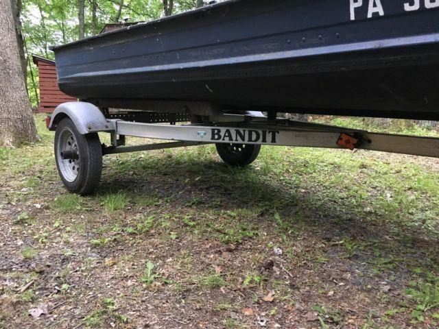 Smoker Craft Boats >> 1973 14 foot Aluminum Smoker-Craft Boat Fishing with