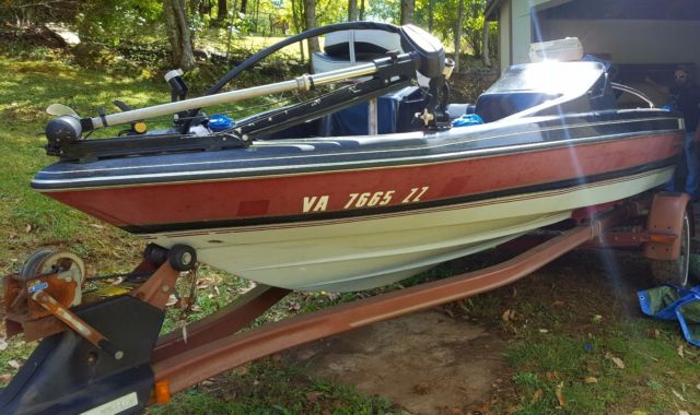 1990 quantam 18ft bass fishing boat trailer 50hp force for Trolling motor for 18 foot boat