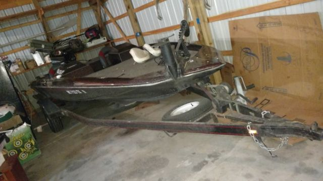 1994 19 foot Swift bass boat for sale in Saginaw, Michigan, United