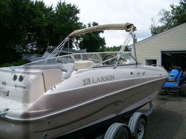 deck boat deck boat larson
