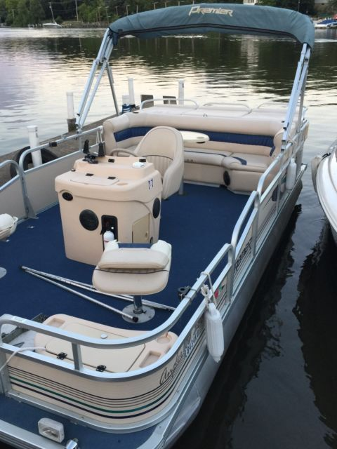 2001 premier pontoon boat for sale in carpentersville for Pontoon boat without motor for sale