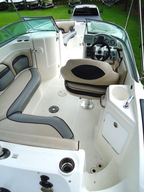 2010 Hurricane Sundeck 2200 With Yamaha 150hp 4
