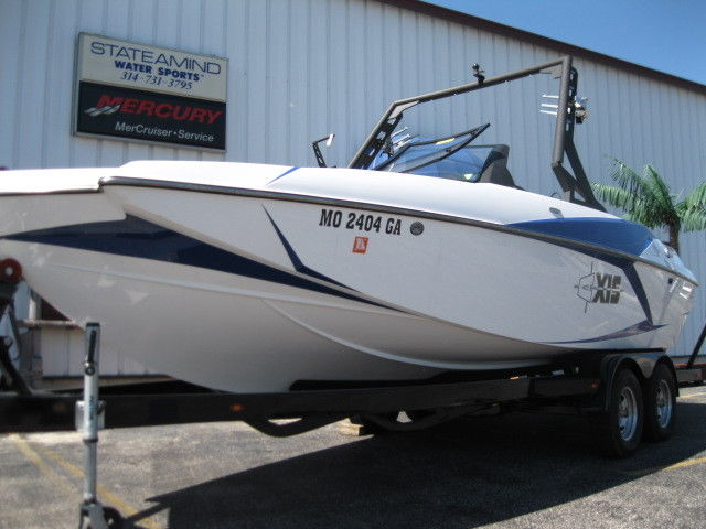 2015 AXIS A22 WAKE SURF BOAT for sale in Hazelwood, Missouri