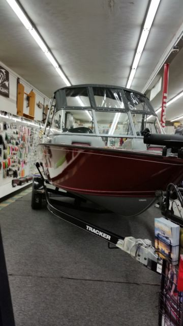 2015 Tracker v175 deep hull Fishing/sport boat and trailer ...