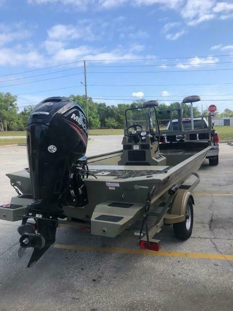2016 Tracker 1860 CC with 2016 Mercury 90hp 4 Stroke and