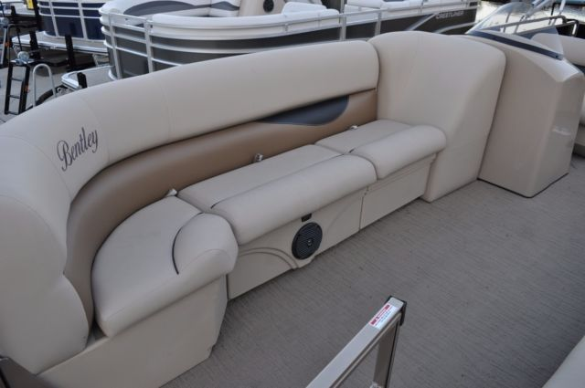 Bentley Pontoon Boats >> 2018 Bentley Cruise 240 pontoon boat 50 HP Command Thrust Mercury 4S for sale in Macon, Georgia ...