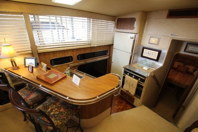 41 Chris Craft Commander Motor Yacht For Sale In Lookout