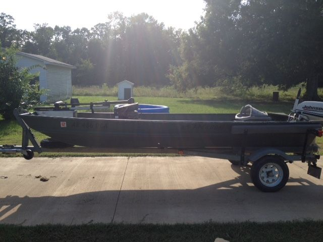 alumacraft 14' flat bottom fishing boat, motor, trailer, fish, Fish Finder