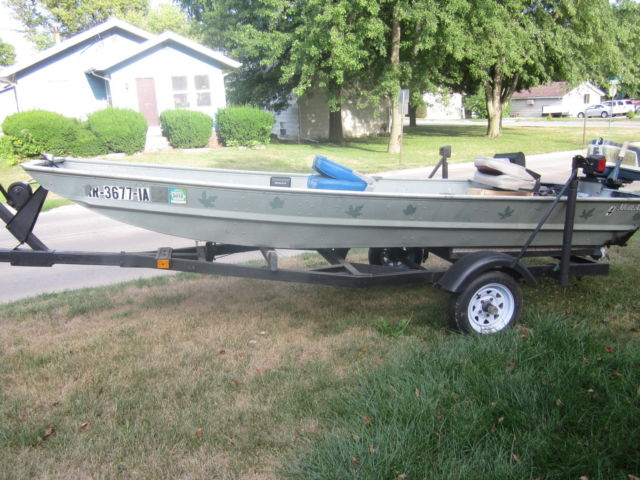 Alumacraft 14 39 x 35 aluminum jon boat and trailer for Fishing boats for sale in iowa