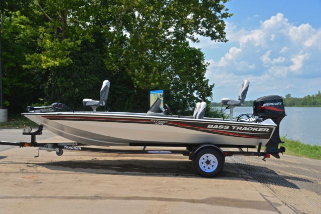 Bass Tracker Pro Team 175tf 50hp Under 70 Hours For