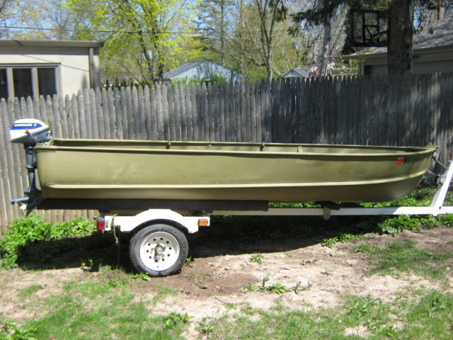 Boat 14 foot alumacraft evinrude motor shorelander for Outboard motors for sale in wisconsin