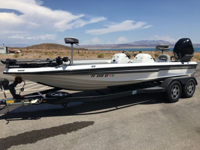 Champion Bass Boat Fiberglass 2004 For Sale In Pasadena