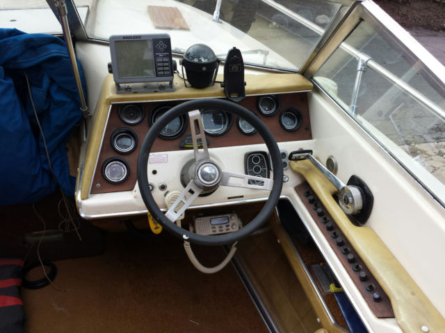 Classic 1976 Sea Ray SRV 200 20' closed bow runabout for sale in