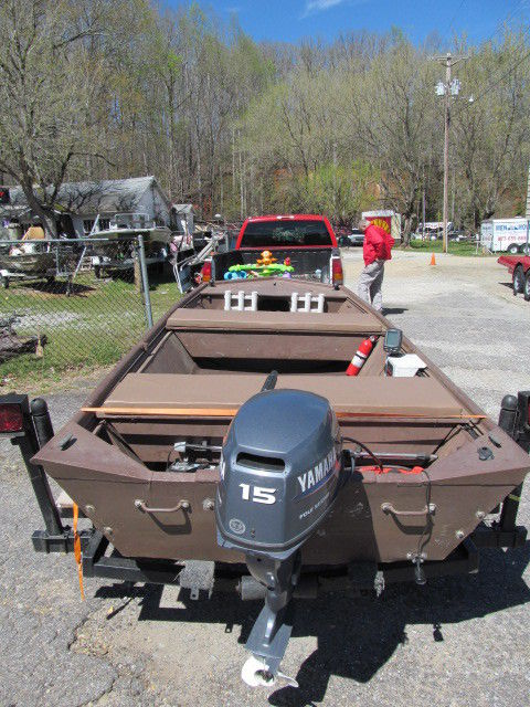 Fisher 1448 jon boat yamaha 15 hp engine 4 stroke for for Jon boat with jet motor