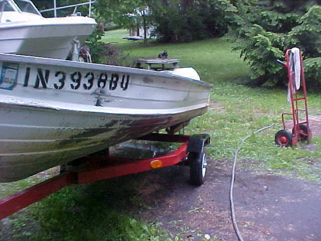 Fishing boat 12 ft with johnson outboard 9 5 hp with new for Fishing boats for sale in ohio
