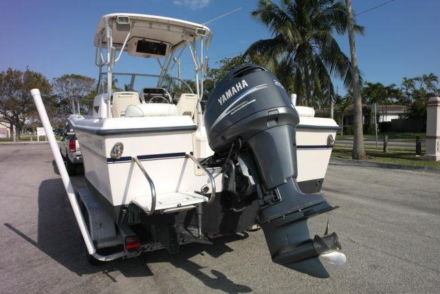 Grady white 208 adventure walkaround yamaha hpdi 200 hp for Yamaha 200 outboard for sale