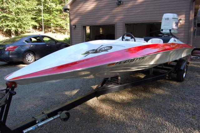 Hydrostream V King V8 300hp Go Fast Speedboat Custom