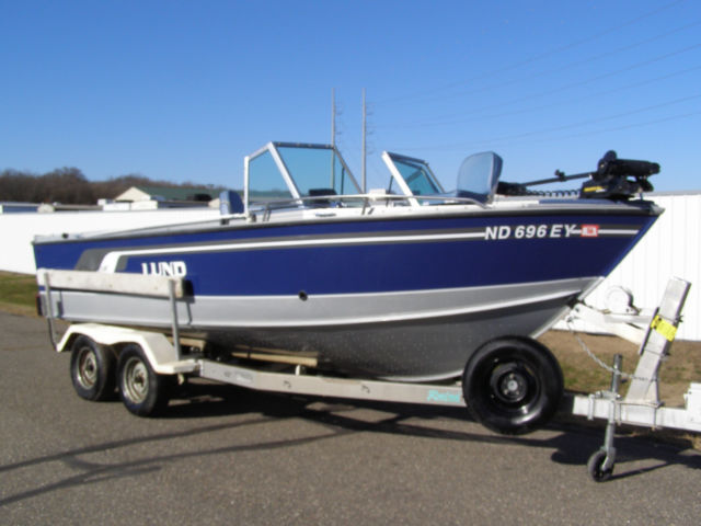 Lund Baron 2100 GS W/T Walleye Deep Vee Big Water 21' 5 0l