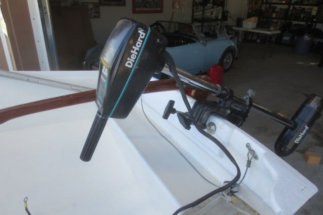 Sabot olympic class sailboat with 2 hp electric motor for for Class b electric motor