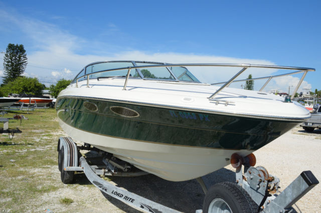 Sea Ray 230 Signature Select Overnighter 1999 with load rite