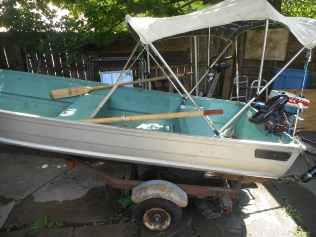 Used aluminum fishing boat w gas outboard motor n electric for Outboard motors for sale in michigan