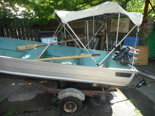 Used aluminum fishing boat w gas outboard motor n electric for Used aluminum fishing boats