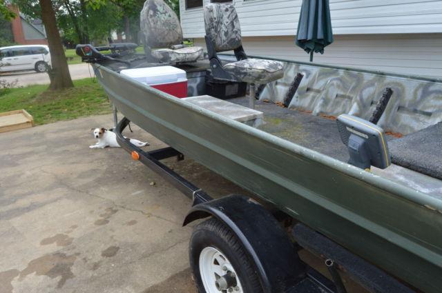 WELDBILT FISHING LBOAT 15 FT 2000 YAMAHA 25 4- STROKE MOTOR